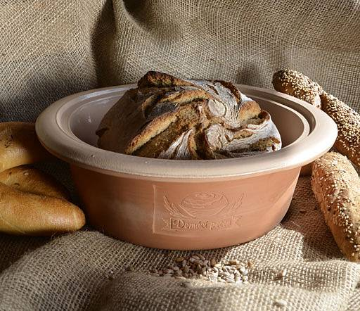 Domácí chleba je skutečná pochoutka. Foto: (C) www.oriondomacipotreby.cz