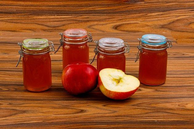 Domací med z jablek a zázvoru
