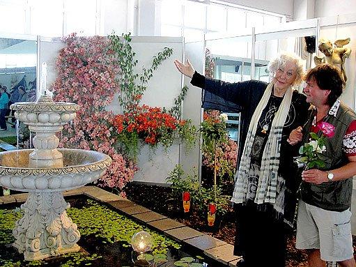 Květa fialová a zahradní poradce Vlastimil Šindelář