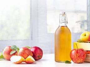 Slyšeli jste o kondicionéru z jablečného octa?