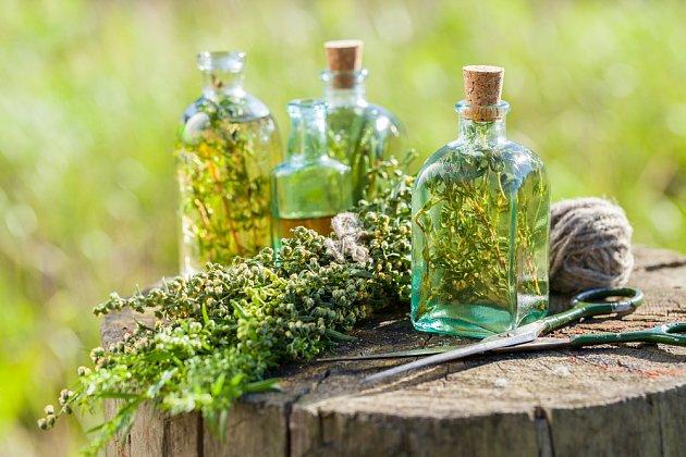 Příprava bylinkového octa
