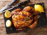Díky formě na bábovku bude kuře krásně křupavé ze všech stran.