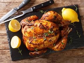 Dokonale upečené kuře je chutné a šťavnaté.