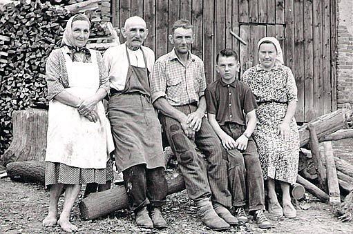 Tři generace hrnčířů Volfů
