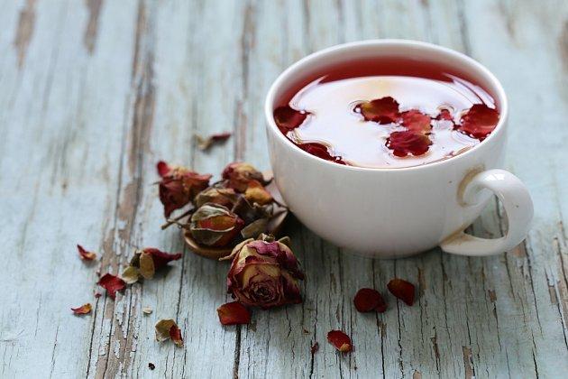 Růžový čaj je lahodný i léčivý