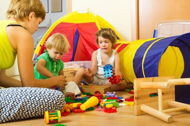 Dětem udělá vždy největší radost, když si rodiče hrají s nimi.