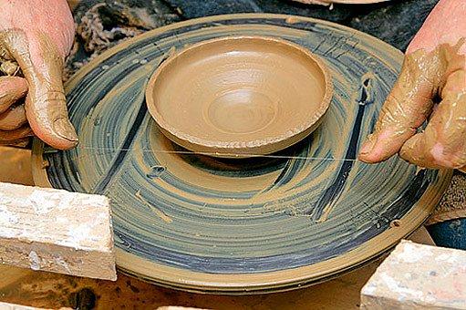 tvarování keramické misky