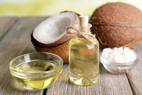 Kokosový olej taje při nízké teplotě