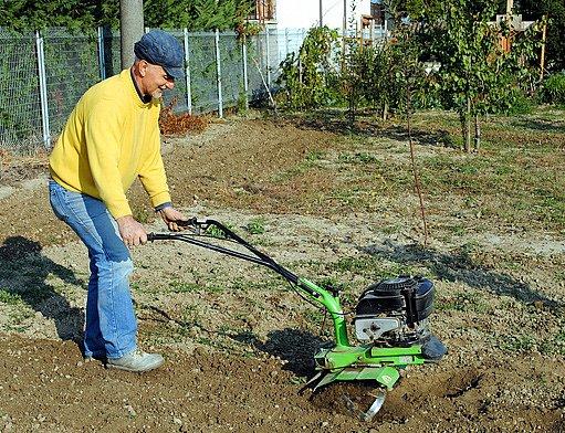 zahradní kultivator