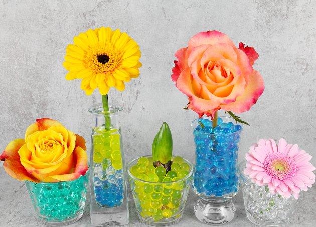 Gelové kuličky jsou nejen pro řezané květiny