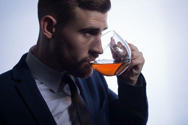 Pití černého čaje je rituál