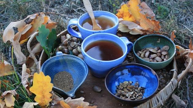 Žaludovou kávu můžeme připravit i v domácích podmínkách.