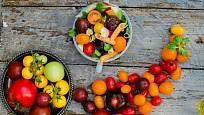 rajčata rozmanitých barev a tvarů, radost na zahradě i na talíři