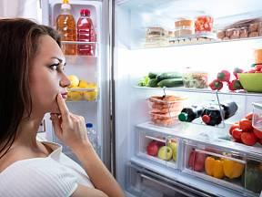 Víte, které potraviny do lednice nepatří?