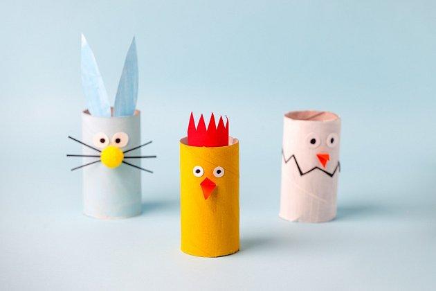 Z ruliček od toaletního papíru vytvoříme velikonoční zvířátka.