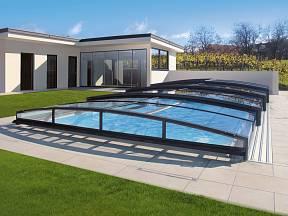 Designové zastřešení na bazén.