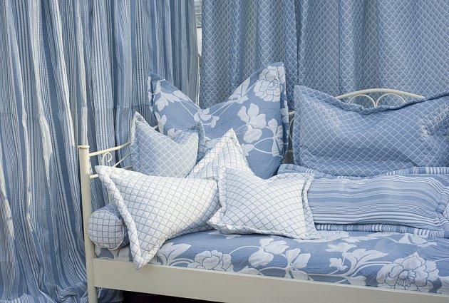 Spánek jako na obláčku vám zajistí kvalitní ložní povlečení, ideálně v blankytně modré variantě.