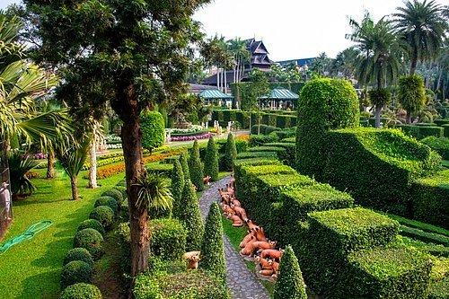 Tropická botanická zahrada Nong Nooch, Pattaya, Thajsko