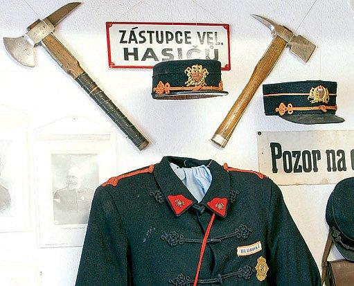 Uniforma českých hasičů z roku 1922