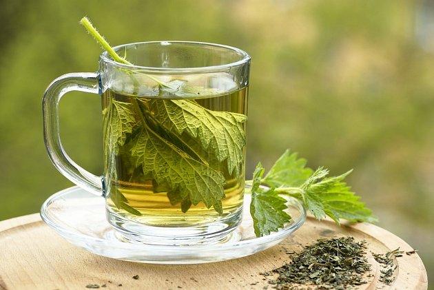 kopřivový čaj žlutý