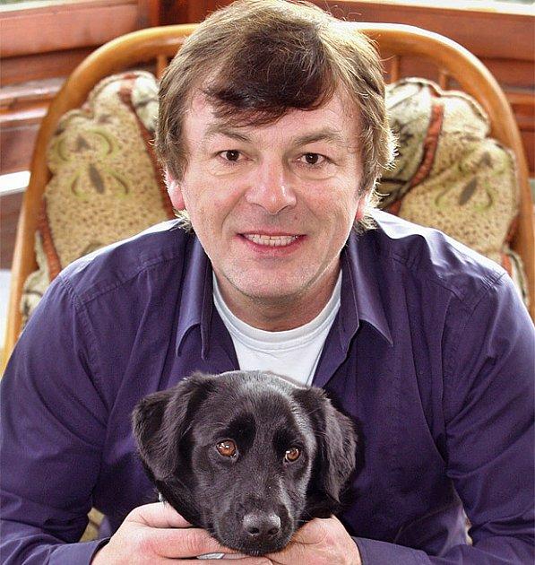 Pavel Trávníček - s křížencem labradora Fredem