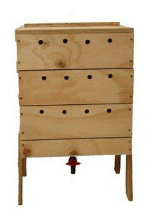 dřevěný vermikompostér