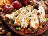 V Německu se těší oblibě štóla s rozinkami, mandlemi a kandovaným ovocem.