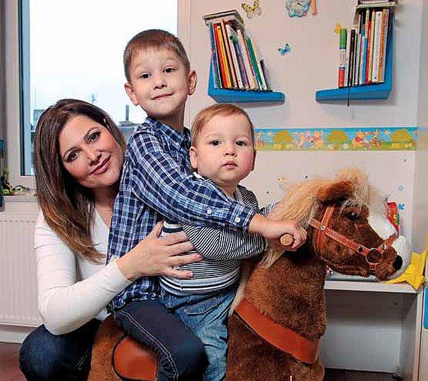 Ilona Csáková s dětmi