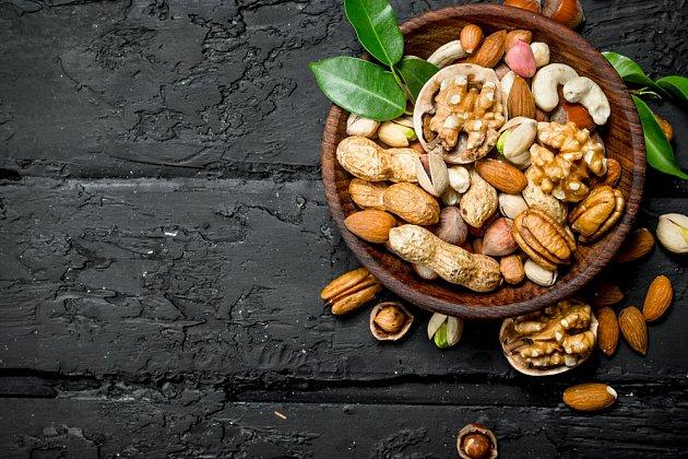 Ani s denní dávkou ořechů bychom to neměli přehánět