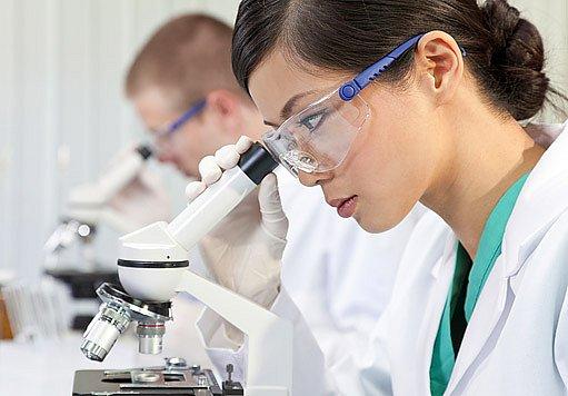 Výběr chřipkových kmenů a sledování jejich vývoje zajišťuje účinné vakcíny.
