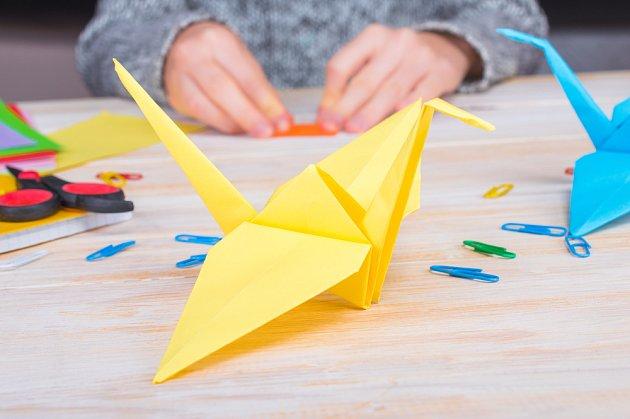 Jeřáb patří mezi nejoblíbenější origami.