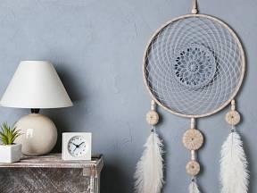 Lapač snů může být talisman nebo interiérová dekorace.