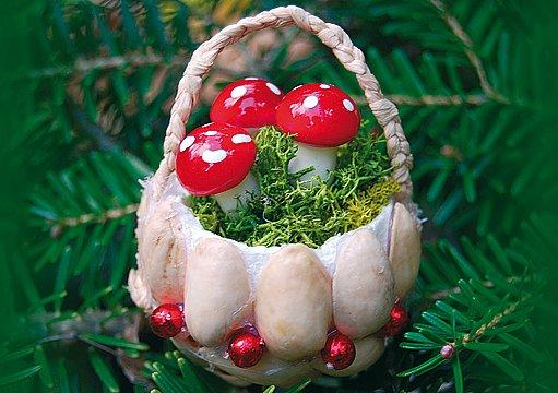 Vánoční ozdoby − košíčky s muchomůrkami
