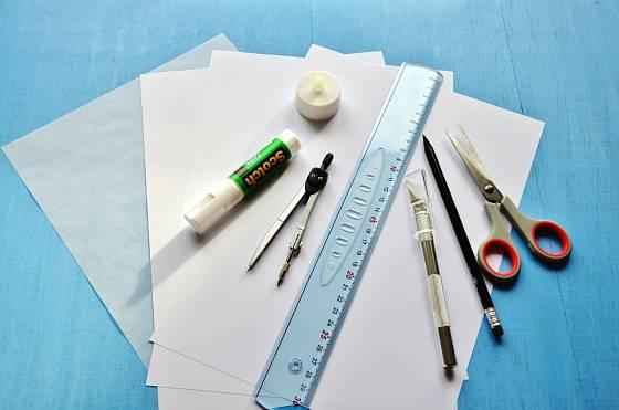 Potřeby pro výrobu svítící sklenky s papírovým stínidlem