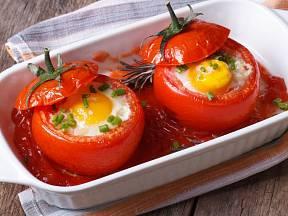 Vejce zapečená v rajčatech jsou kuchařskou rychlovkou, kterou zvládne je každý.