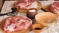 Na zavařování se hodí vepřové maso