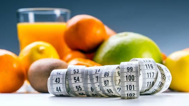 Při dietě musíte hlídat i ovoce