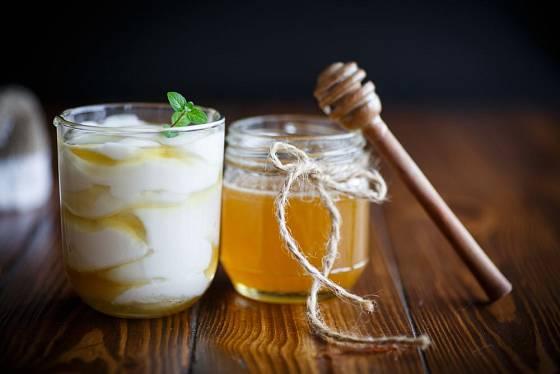 Med učiní dezert i z jogurtu