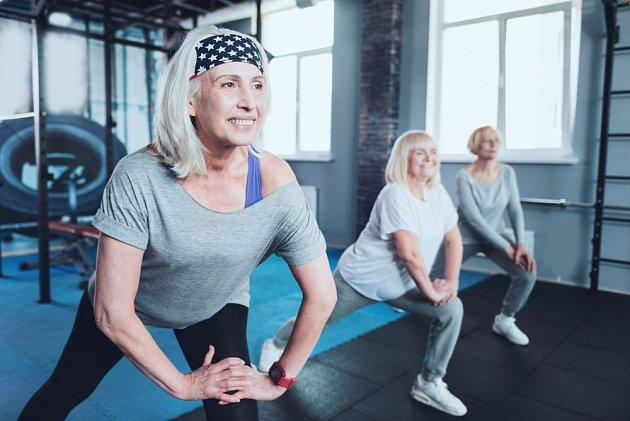 Pokud můžete, cvičte. Poslouchejte přitom své tělo a nepoužívejte zátěž