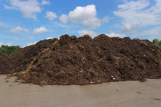 Kompostárny jsou zdrojem kvalitního humusu