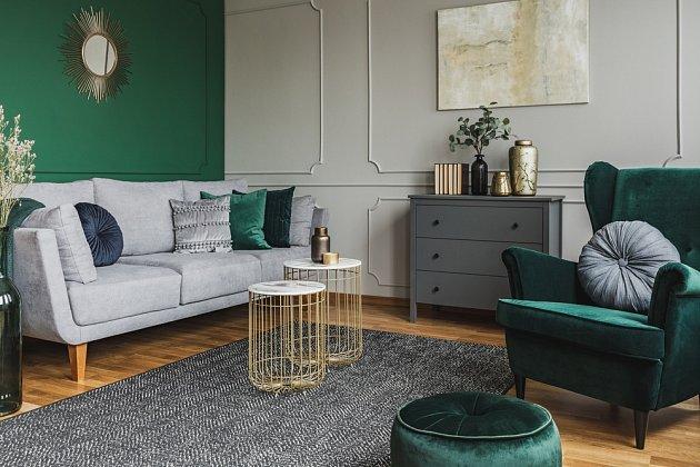 Záleží na vkusu, ale jedna barevná stěna většinou skvěle zafunguje dokreslit atmosféru pokoje