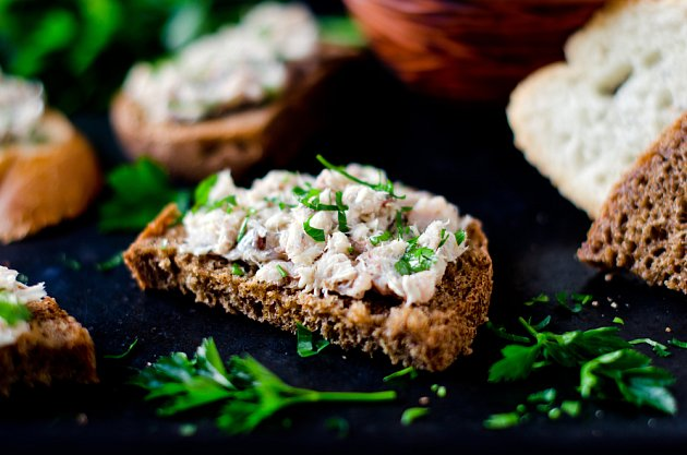 Rybí pomazánky dodají jak zdravé tuky, tak i bílkoviny