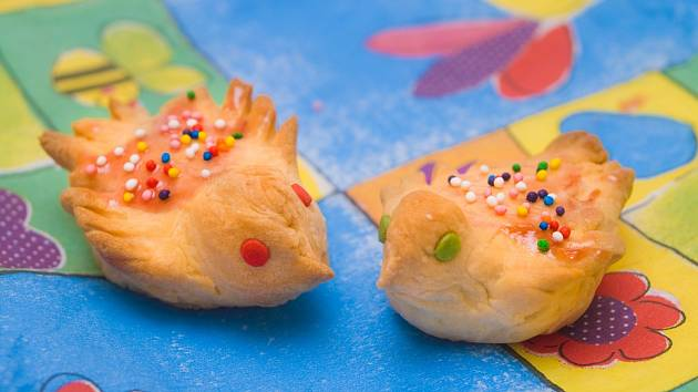 Na Hromnice se pečou ptáčci ze sladkého těsta.
