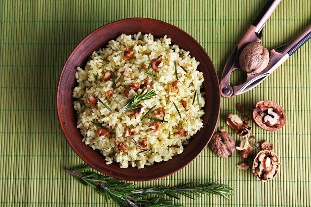 Ořechová rýže, tentokrát ochucená rozmarýnem.