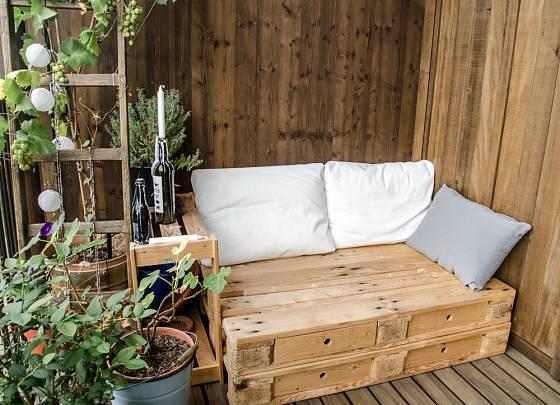 Levný nábytek z palet