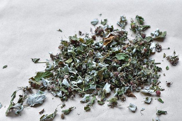 Sušené listy maliníku