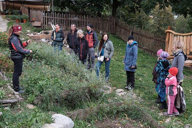 Prohlídka nově založené přírodní zahrady s výkladem