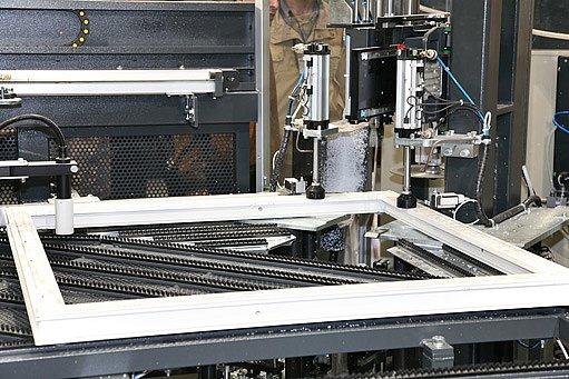 při průmyslové výrobě oken dochází k lepší tepelné účinosti