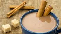 kakao se skořicovým míchátkem