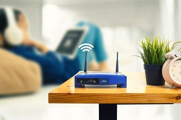 Čím méně překážek mezi zařízením a routerem, tím lépe.